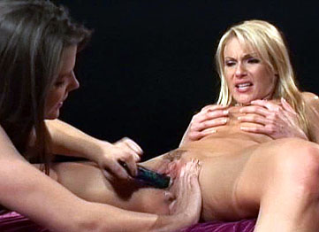 Horny Sluts Annette Schwarz And Samantha Ryan In Lesbo Action