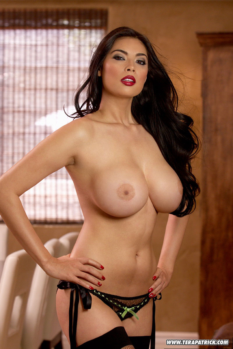 Sexy tera patrick topless effective?