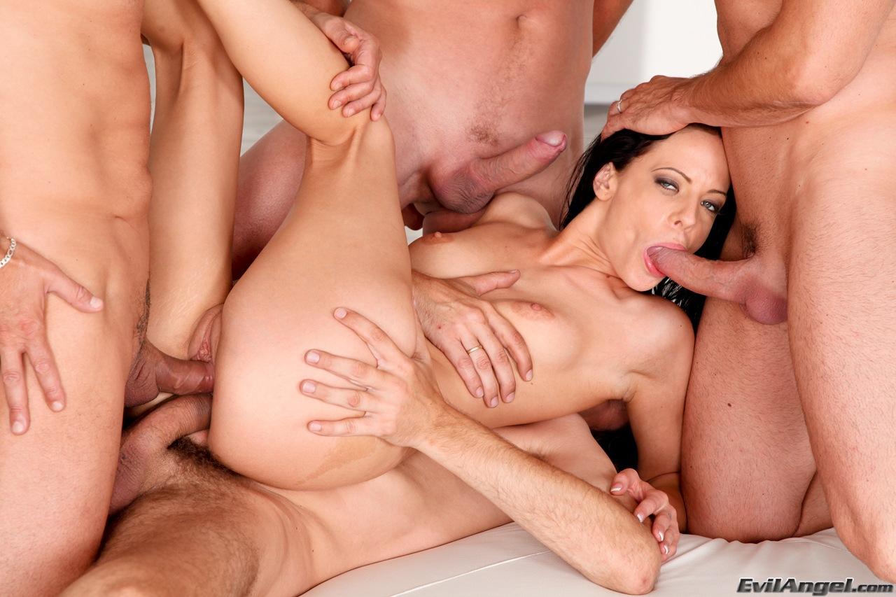 Секс девушки и несколько парней 7 фотография
