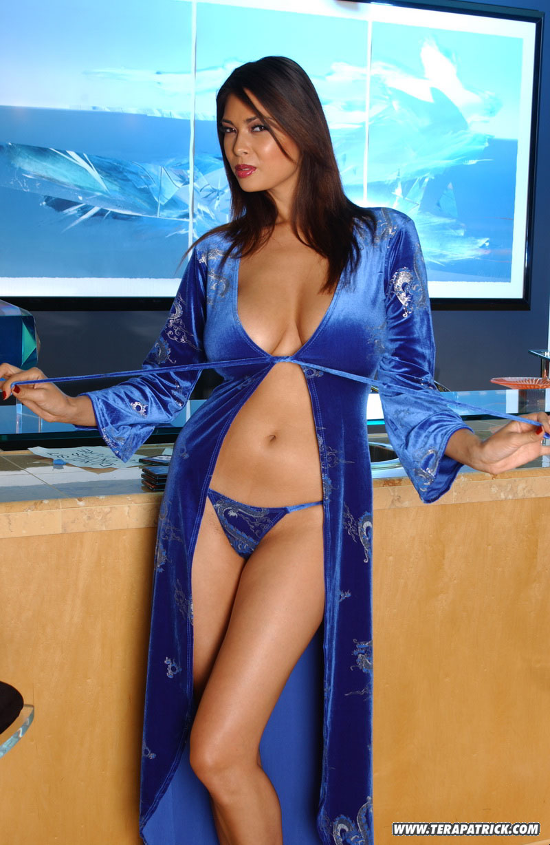 Click Here to Visit Tera Patrick's Official Site