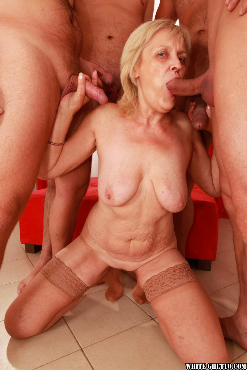 Whiteghetto milf gangbanged and spit roasted