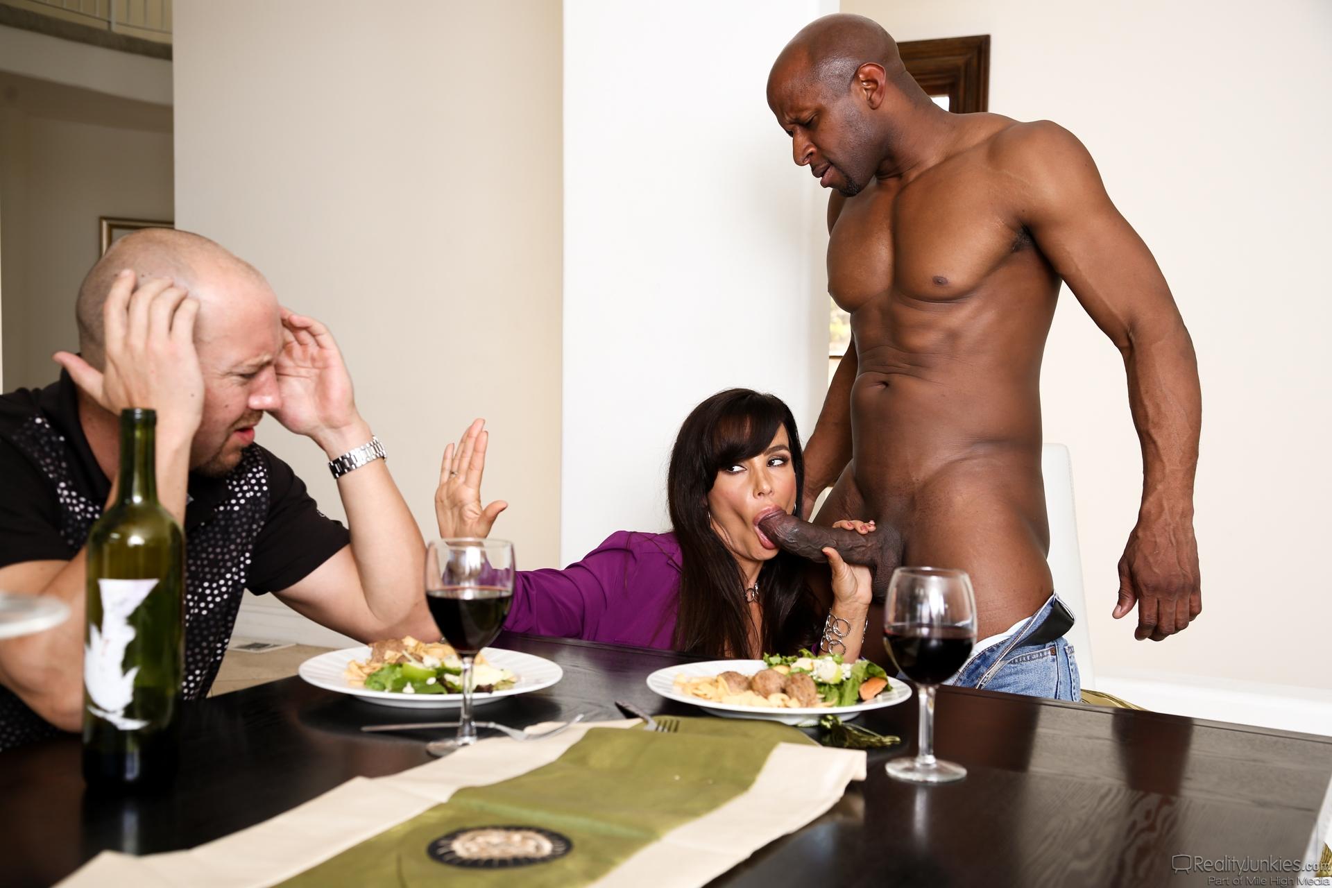 Смотреть жена изменяет мужу при нем 20 фотография