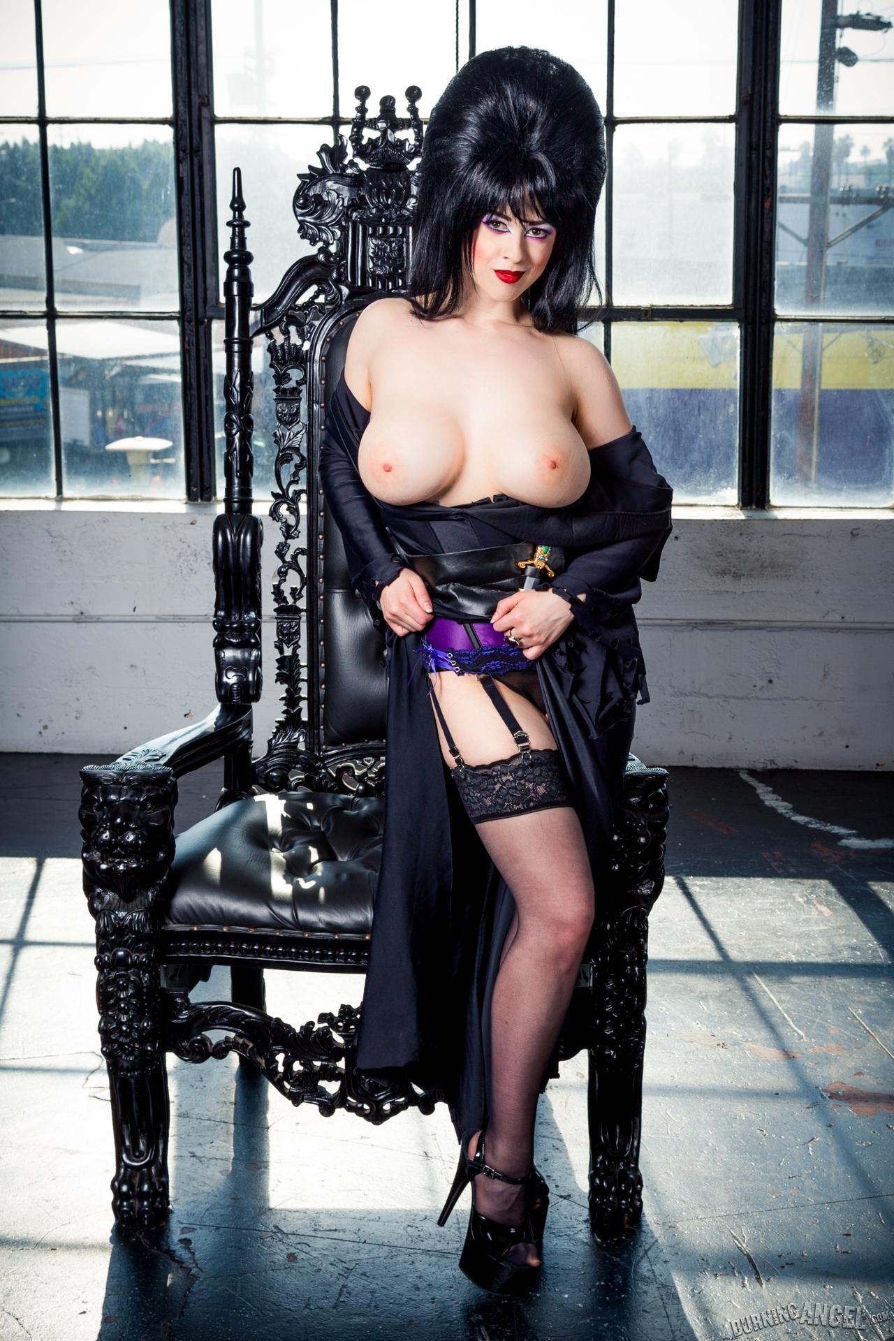 Эльвира повелительница тьмы порно 28 фотография