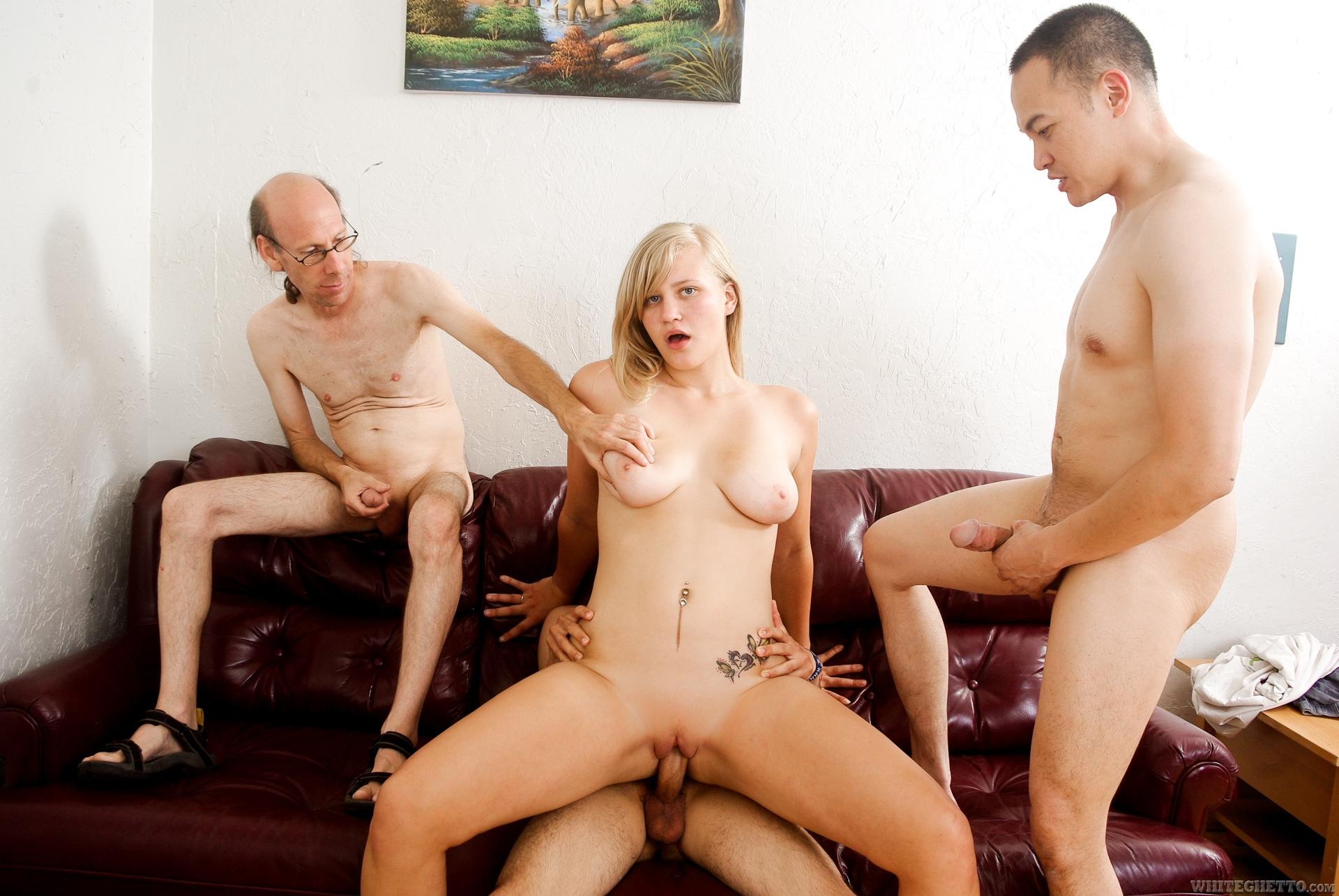 Секс в троём во все щели 6 фотография