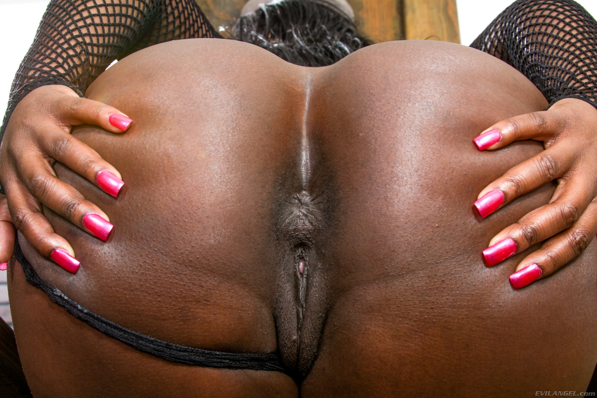 Ebony anal addiction