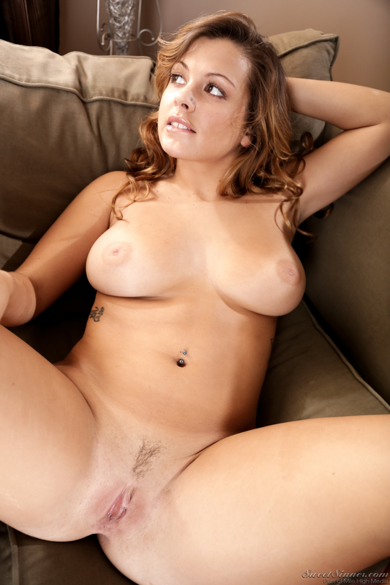 image Keisha grey naked shows off her boobs bush and butt