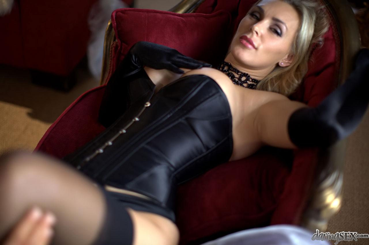 porno-video-s-devushkami-4-razmerom-grudi