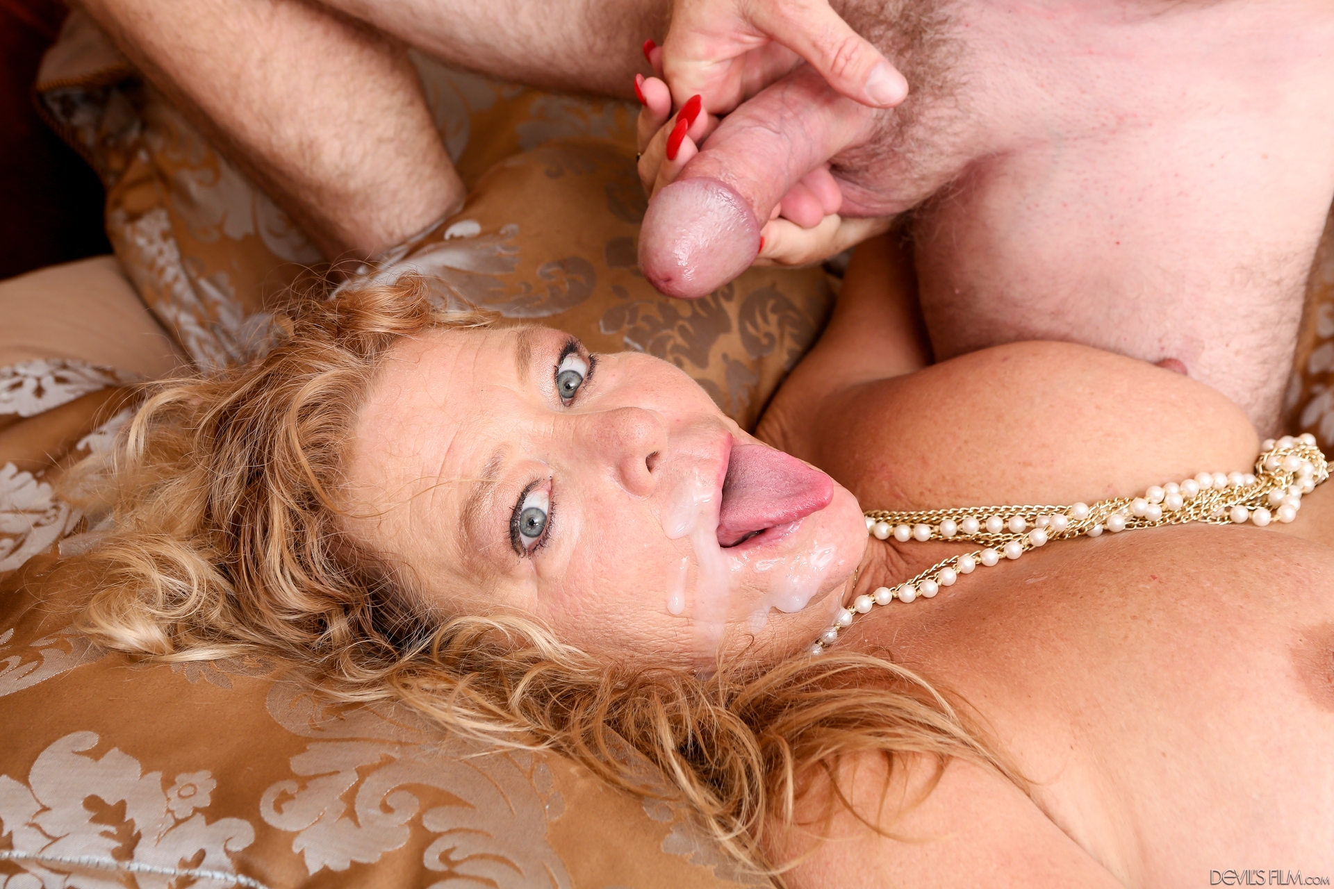 Intense orgasms with my rabbit toys 3