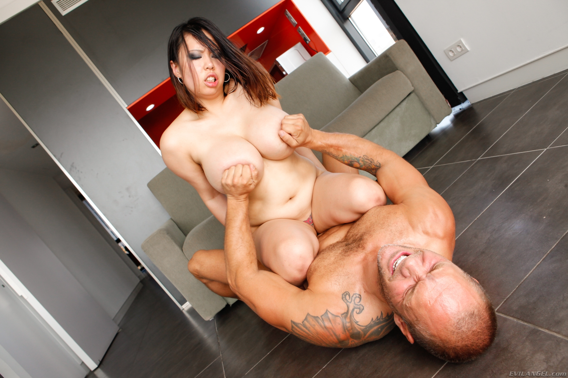 Una hermosa bbw exquisita con un lindo culo - 2 part 1