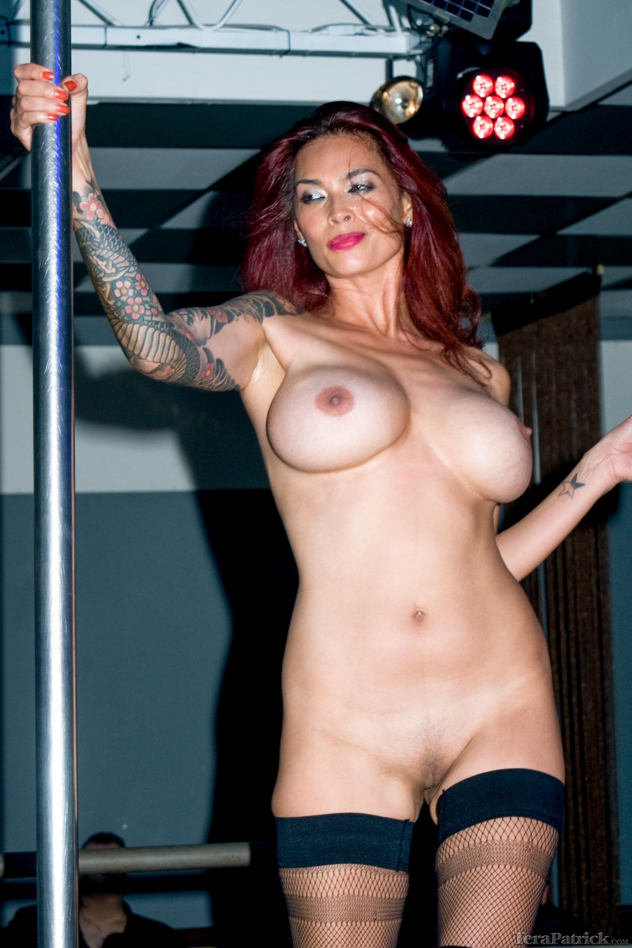 jump rope girl nude gif