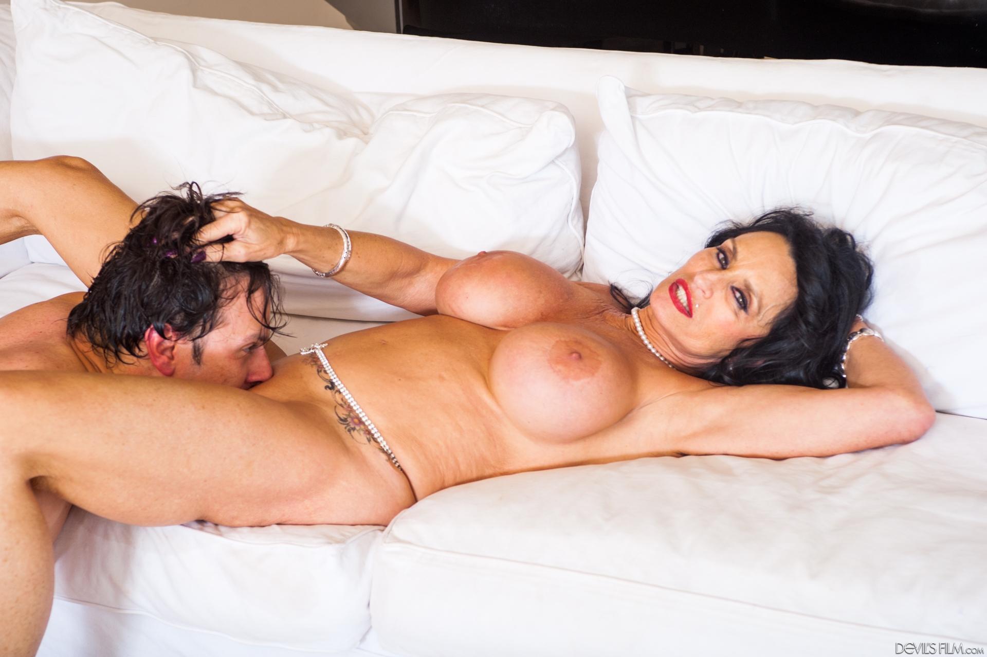 Смотреть порно видео делает девушке куни исполняет все ее желания