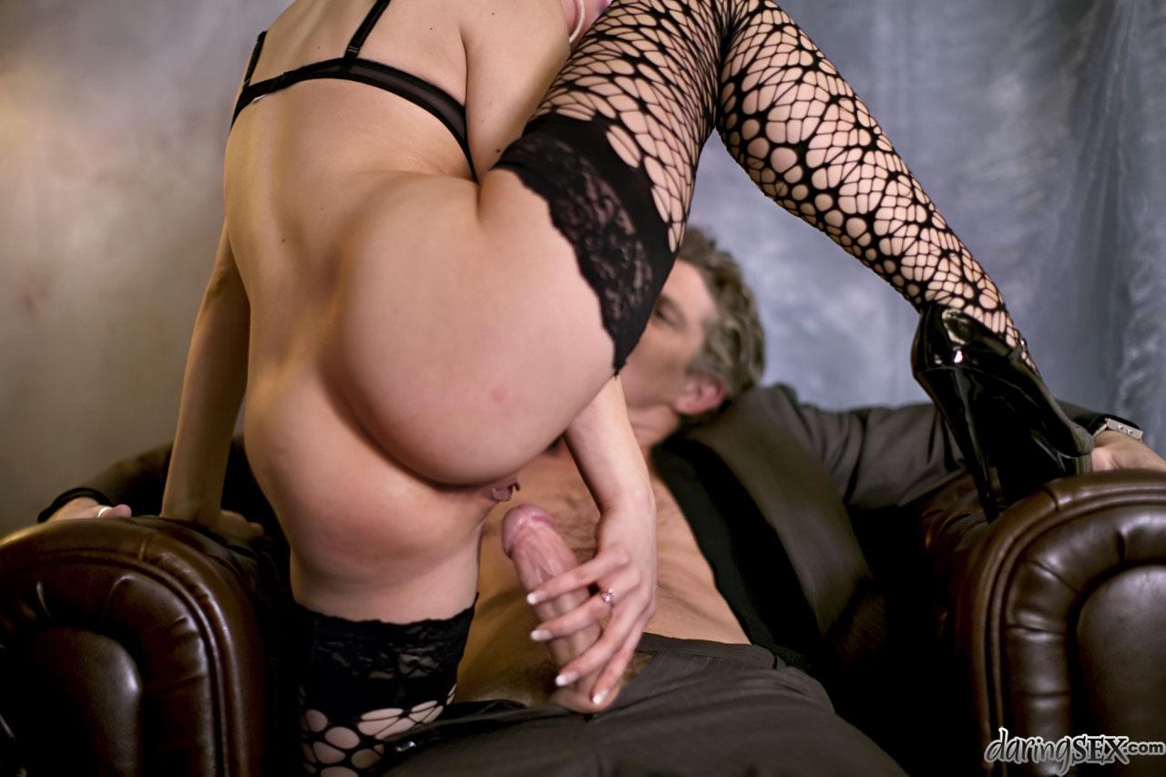 daring sex pictures