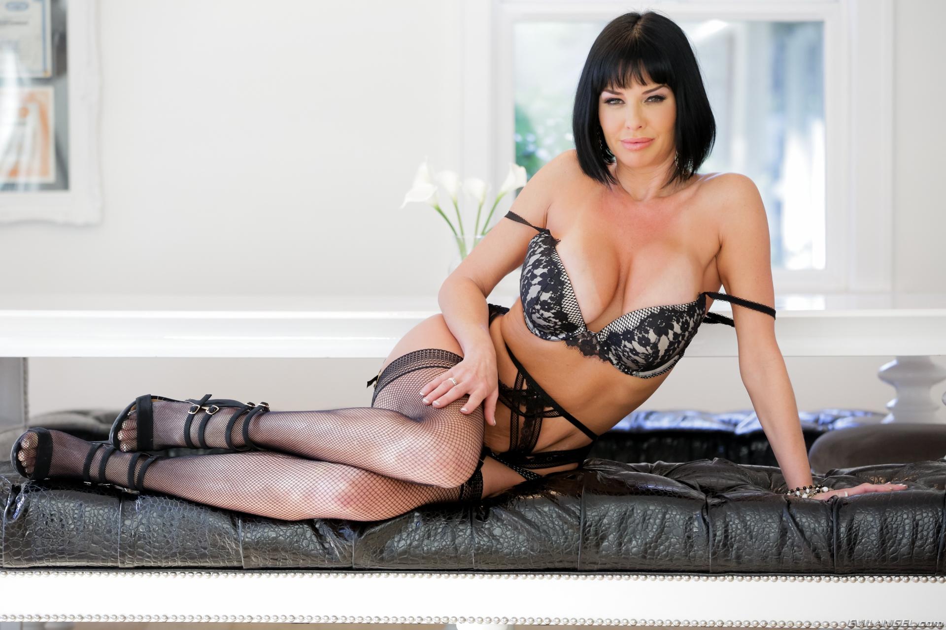 Veronica Avluv -Milfs Seduction