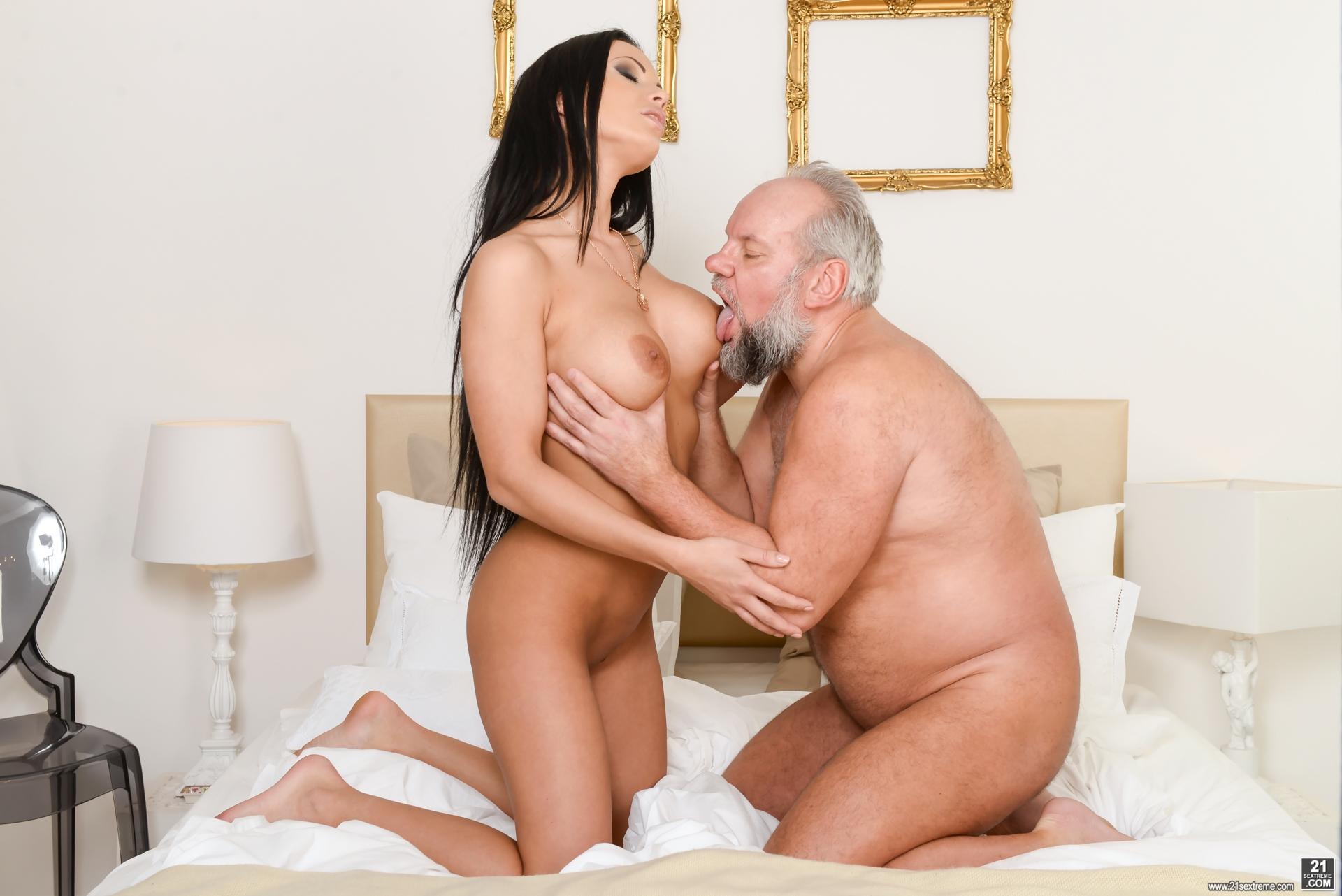 Summer glau nude celeb photos